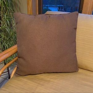 "Excellent condition brown accent pillow 18""x18"""